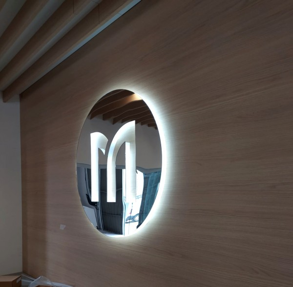 logotipo_interior_acrílico